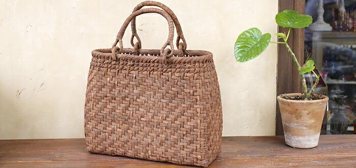 天然素材のかごバッグ