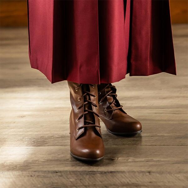 卒業式の袴姿に袴ブーツ