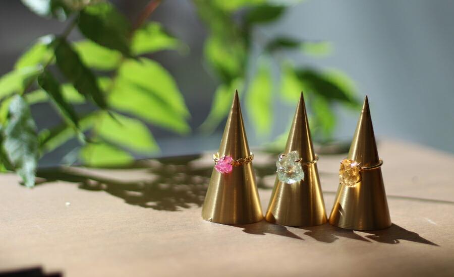 ビズー大阪心斎橋店 内装 ディスプレイ ネックレス ピアス イヤリング リング 指輪
