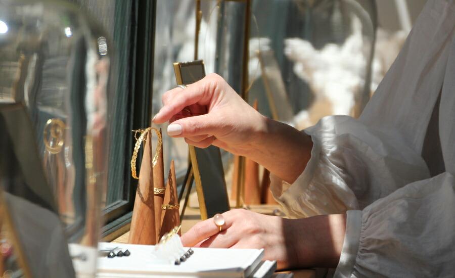 銀座店 内装 ディスプレイ ネックレス ピアス イヤリング リング 指輪