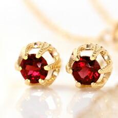 パイロープガーネットとダイヤモンドのK18ピアス