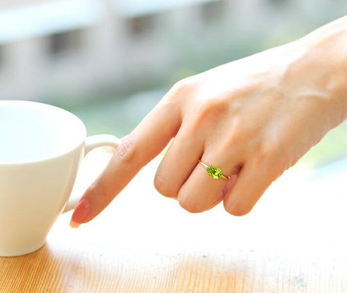 大粒ペリドットのリング 指輪