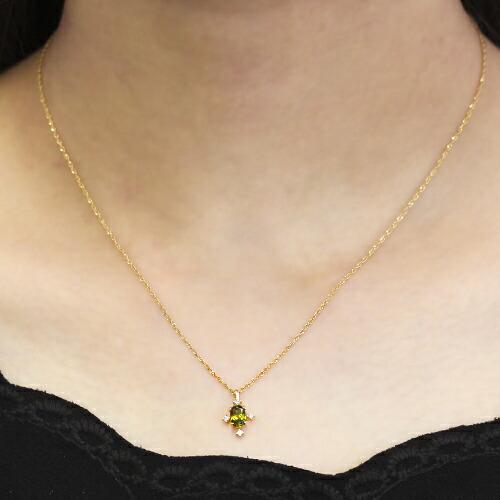 パキスタン産クロムスフェーン大粒オーバルカットの18金ネックレス装着イメージ