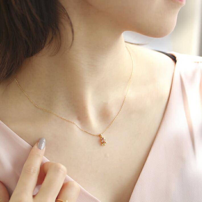 オーバルカット桜色マラヤガーネットの18金ネックレス