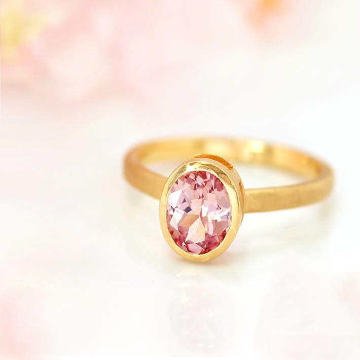 桜色マラヤガーネットオーバルカットの18金リング