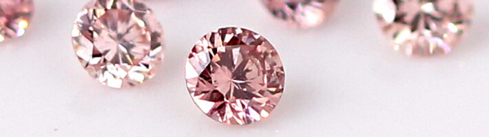 ハナミズキブーケに使用している宝石「ピンクダイヤモンド」の画像