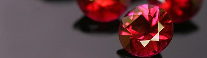ローズブーケに使用している宝石「ビルマ産ルビー」の画像