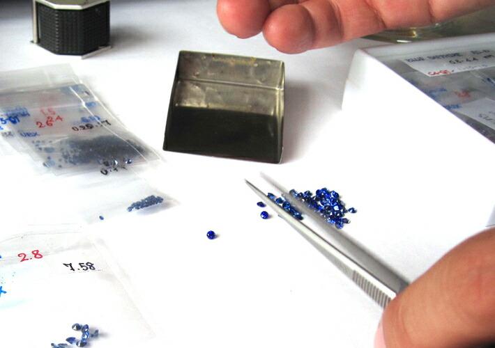マルチカラージュエル10金パヴェリング「ルナブーケ」に使用している宝石