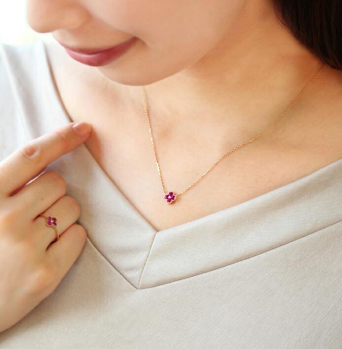 ルベライトオーバルカットの宝石