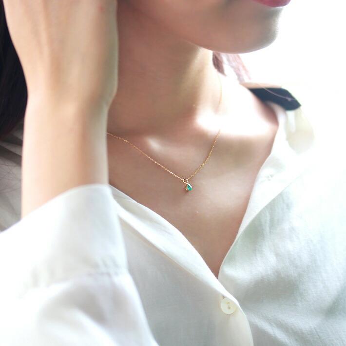 のK18ネックレスの装着画像