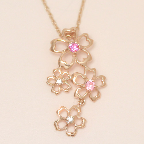 ピンクサファイアの桜ネックレス