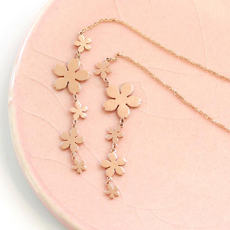 桜モチーフの18金アメリカンピアス