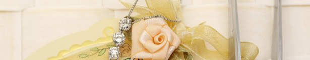 スリーストーンダイヤモンドその華やかさは女性だけの物 プラチナ ダイヤモンドネックレス スリーストーン キラキラ宝石店【4月の誕生石ダイヤモンド】【スリーストーン】【送料無料】【即納可】