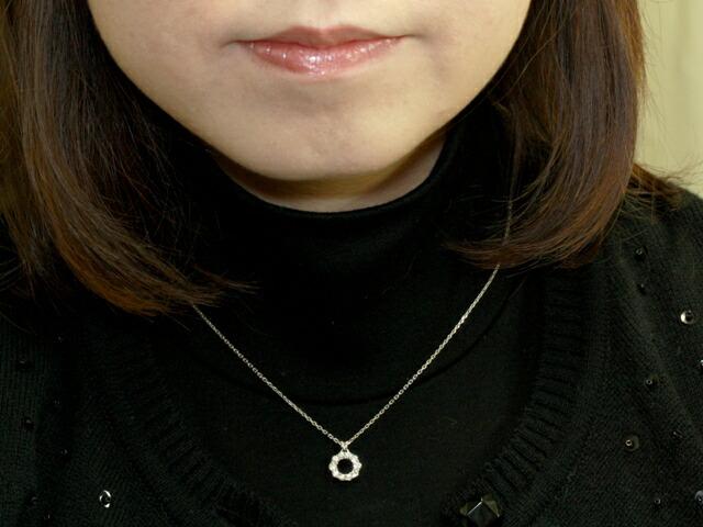 ロイヤルアッシャーダイヤモンド シンプルデザインダイヤペンダント