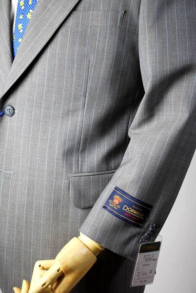 2つボタンスーツ