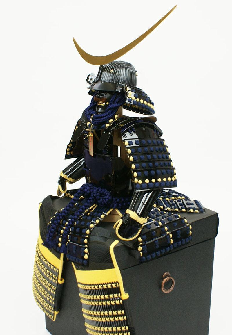五月人形 五月節句飾り 鈴甲子雄山作 甲冑飾り 鎧飾り 五枚道具足鎧 (戦国武将・伊達政宗)(重要文化財・仙台博物館蔵模写)(正絹糸縅仕上・弦月形前立使用)画像9