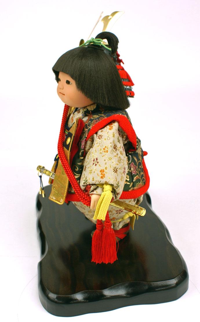 五月人形 五月節句飾り 平飾り 武者人形 子供大将 (陣羽織姿) 人形工房天祥オリジナル 五月人形・健ちゃんシリーズ 「健 (陣羽織・立姿)」 (正絹糸縅仕立)(のぼり飾り付)画像5