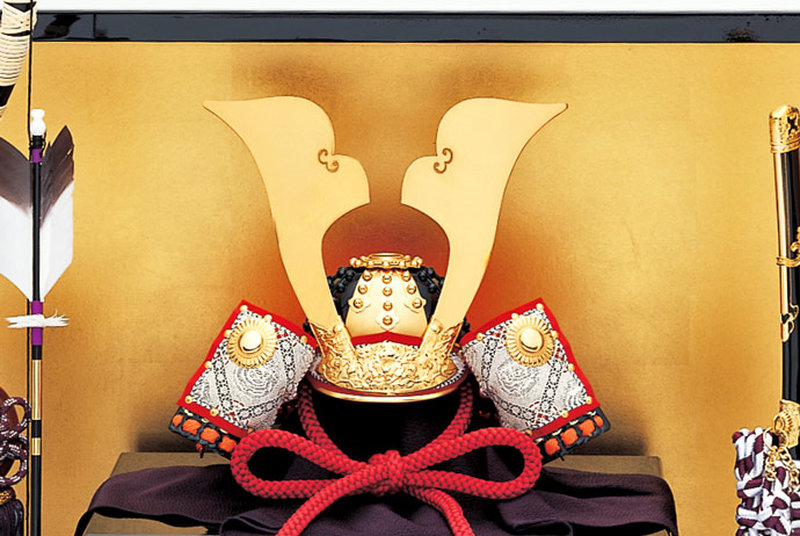 五月人形 兜 兜飾り 名匠 加藤鞆美作(有名甲冑師・伝統工芸士)甲冑飾り お節句飾り 端午の節句 初節句 兜 「鞆美作 二分の一 義経兜飾りセット」画像2