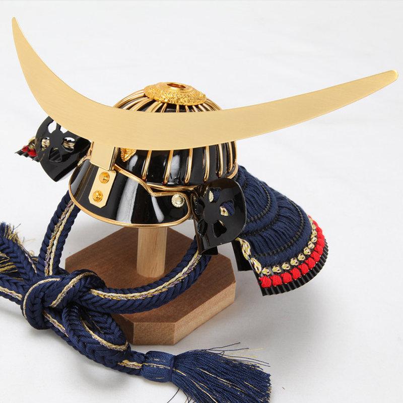 【送料無料】【2012新作五月人形】五月人形兜兜飾り「ご奉仕品・限定数限... >クリックで拡大