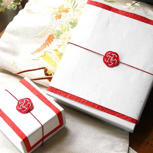 プレゼントを渡す前に商品を確認できる水引きのギフト包装