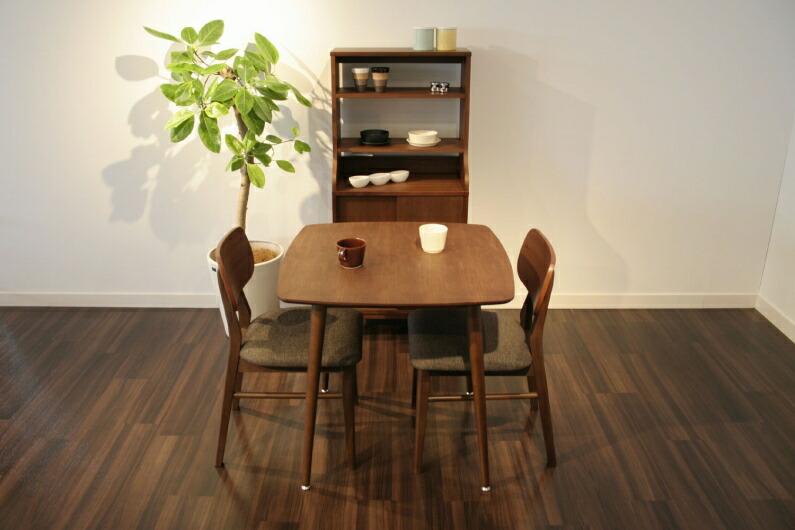 emoのダイニングテーブルの画像