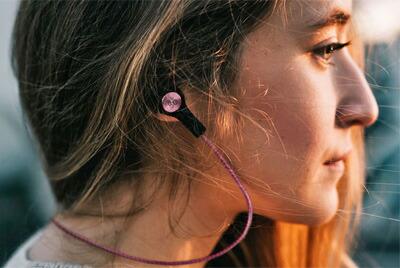 高音質のバングアンドオルフセンB&Oのbluetooth対応コードレス(ワイヤレス)イヤフォンH5北欧beoplay2