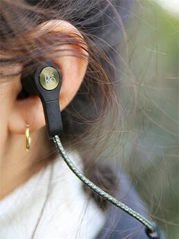 高音質のバングアンドオルフセンB&Oのbluetooth対応コードレス(ワイヤレス)イヤフォンH5北欧beoplay4