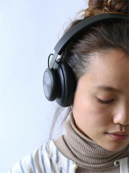 高音質のバングアンドオルフセンB&Oのbluetooth対応コードレス(ワイヤレス)ヘッドフォンH8北欧beoplay3