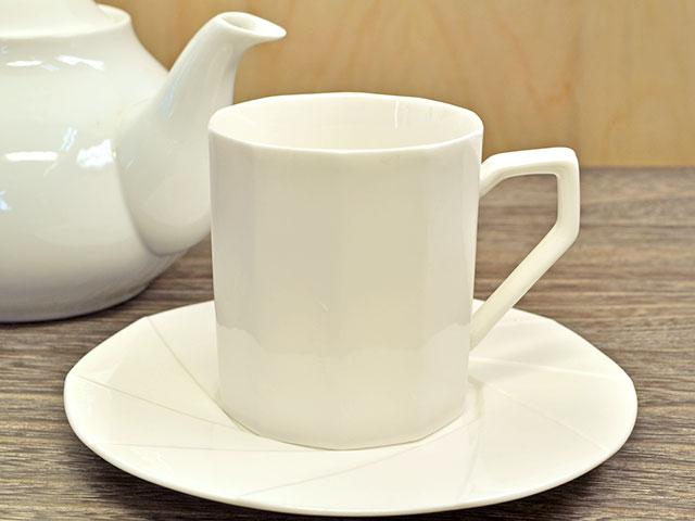 多角形コーヒーカップ&ソーサー クリーム