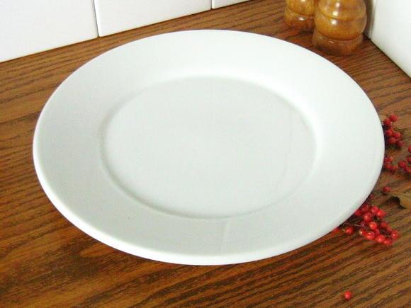 白い食器フォンテ 丸皿