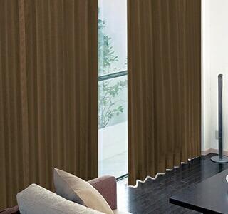 茶色のカーテンの使用イメージ