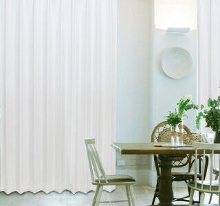 白色のカーテンの使用イメージ