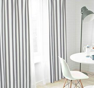 灰色のカーテンの使用イメージ