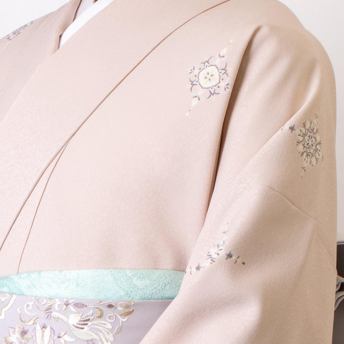 着物屋くるり ウォッシャブル着物 洗える着物 飛び柄小紋 菱花紋 アイスグレー