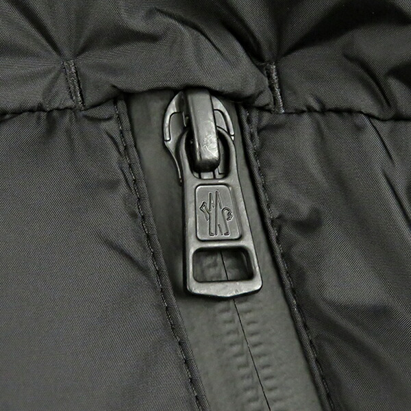 MONCLER モンクレール MONTCLA モンクレ モントラ メンズ ダウンジャケット ブラック 無地 ロゴ アウター コート ジャケット 41943 85 C0300
