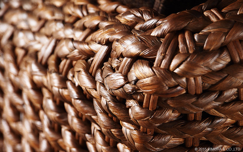 アジアンナチュラルスタイル。ウォーターヒヤシンス(水草)を編み上げた2人掛けソファ