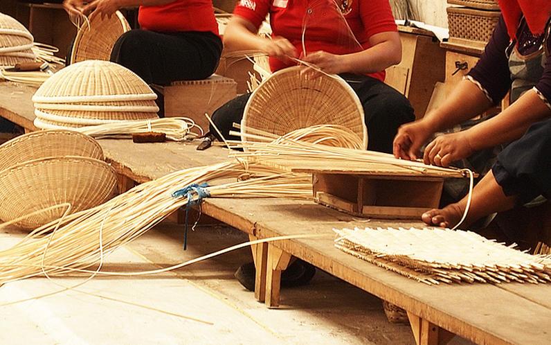 家具製造卸創業100年のメーカーならではの素材と技術を結集