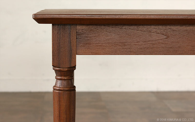 世界三大銘木チーク無垢木を贅沢に使用した135cm幅のダイニングテーブル