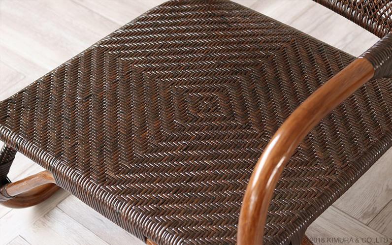 自然素材家具ならではの親しみと情緒を感じます。