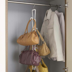 □The Hook For The Hanger Is Attached, Too. It Is Good To The Storing Of The  Closet.