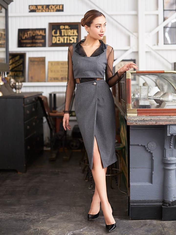 320c71e45b2b4 オトナの雰囲気を醸し出すセクシーなタイトドレス。シースルーがセクシーすぎるぐらいフェロモンを放ちます。そして、Vカットでデコルテを綺麗に魅せ、ビスチェと  ...