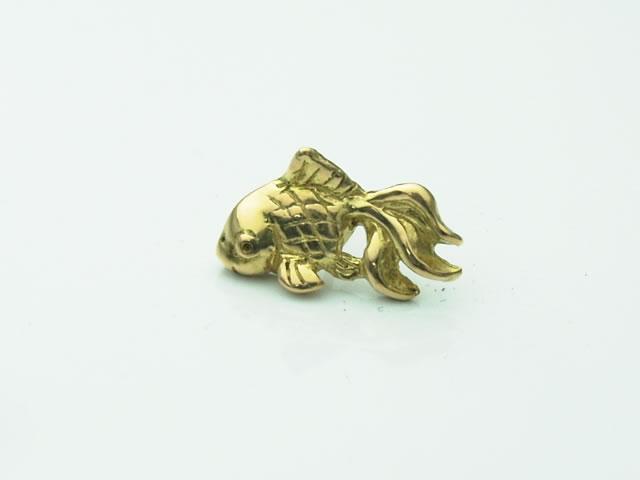 18金製の金魚ピアス