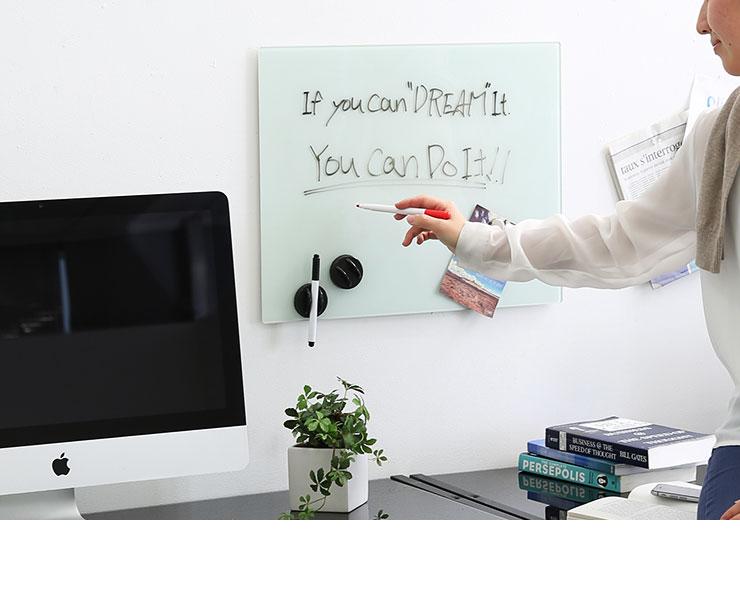 ガラスボード ガラス製 ウォールボード 壁面 壁掛け オフィス 会議室 店舗 強化ガラス シンプル マグネット 磁石 メモ 50x40cm