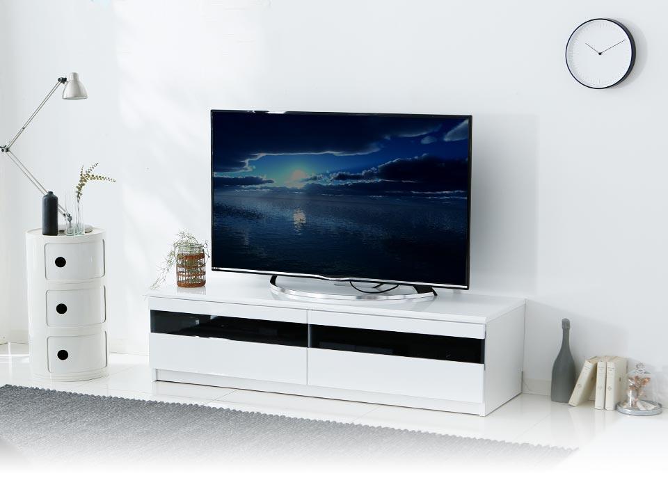 白い テレビ