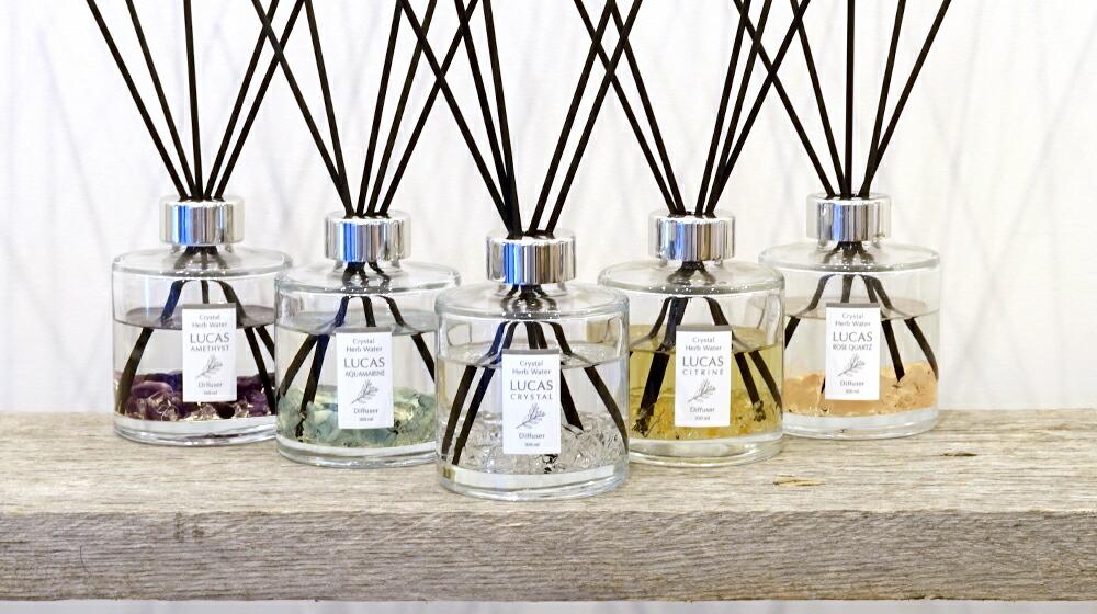 5つの天然石と香りからお選びいただけます