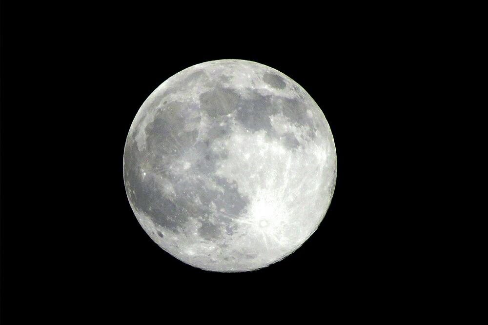 LUCAS 月の光の効果