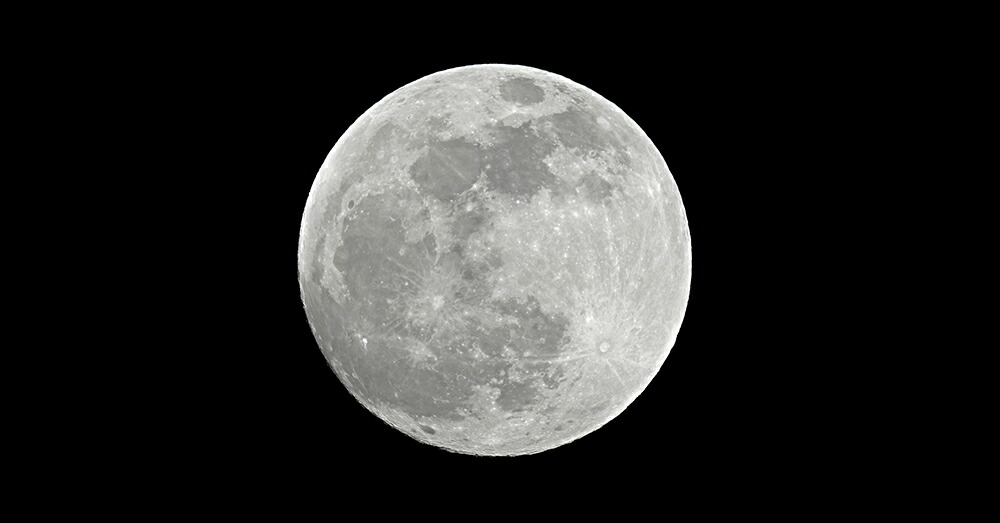 人間のバイオリズムとも関係する月の満ち欠け