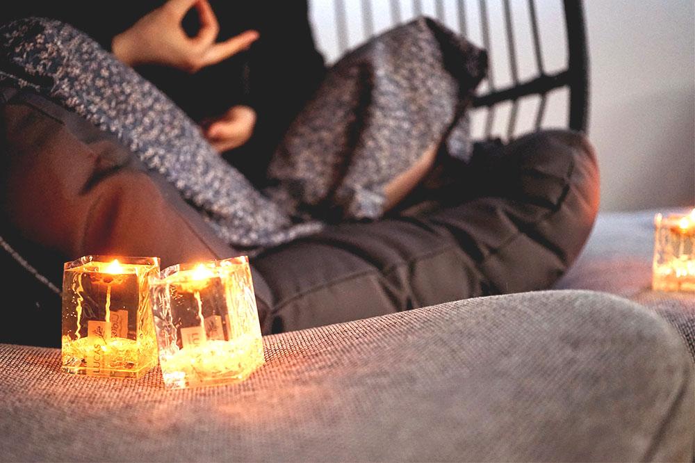 LUCAS 夏の瞑想方法