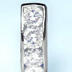 プラチナ900×ダイヤモンド【SIクラス】レール留め 中折れフープピアス