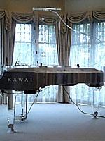クリスタルグランドピアノ 新品カワイ